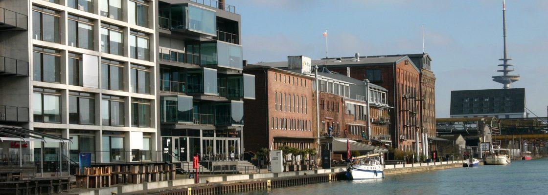 Moderne Bürogebäude und alte Speicher am Kreativkai in Münster in Westfalen im Münsterland